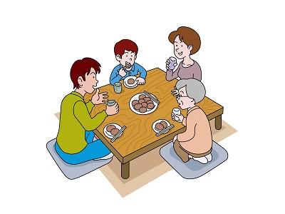 おはぎとぼた餅を食べている家族